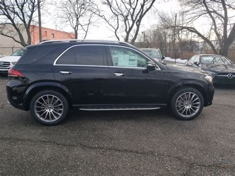 The impressive driving characteristics and its great efficiency speak for themselves. New 2021 Mercedes-Benz GLE 350 4MATIC SUV | Black 21-674