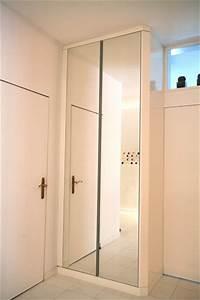 Garderobenschrank Mit Schiebetür : garderobenschrank mit spiegel und griffleisten mittig garderoben schreiner m nchen ~ Indierocktalk.com Haus und Dekorationen