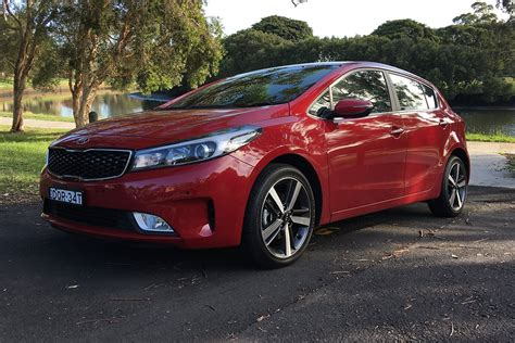 It comes in as the first model in the aussie showroom to wear the brand's redesigned badge. kia cerato 2018 - ImmersiveJordan