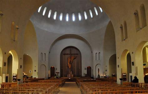 eglise porte de cloud eglise sainte jeanne de chantal 224