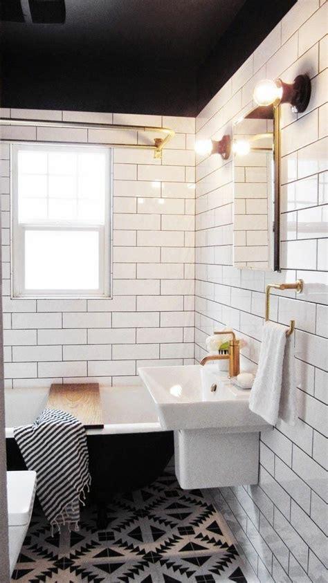 cuisine blanche mur taupe salle de bain carrelage noir et blanc