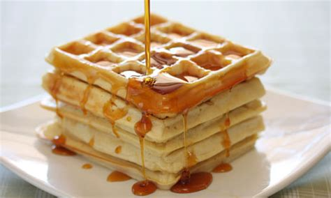 Waffles with hot maple syrup | WizardRecipes