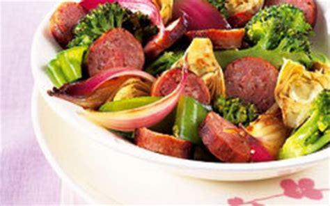 cuisiner des saucisses de toulouse recette poêlée de légumes et saucisses de toulouse 750g