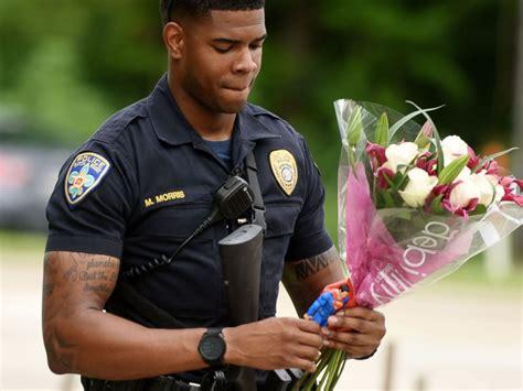 investigators scour baton rouge gunmans social media