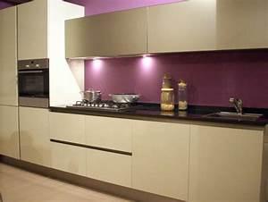 cuisine couleur aubergine inspirations violettes en 71 idees With associer les couleurs dans une cuisine