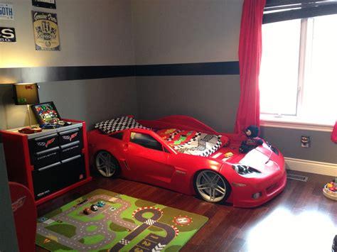 boy   big boy room   cool corvette bed