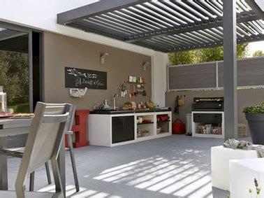 cuisine d 233 t 233 am 233 nag 233 e sous la pergola d une terrasse