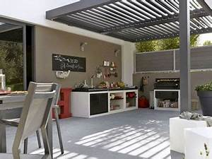 cuisine d39ete amenagee sous la pergola d39une terrasse With decorer sa terrasse exterieure pas cher 6 terrasse zen idees et photos pour une terrasse sympa