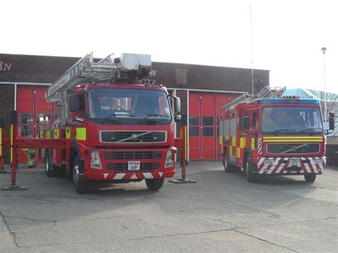 north wales fire  rescue volvo fmanglocobronto alp p