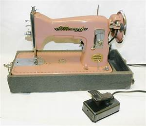 Vintage PINK Portable Sewing Machine Monarch Deluxe ...