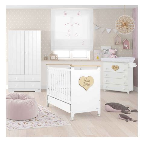 chambre bébé lit commode beautiful chambre bebe photos design trends 2017
