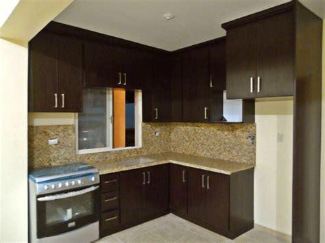 cocina de pvc  cubierta de granito