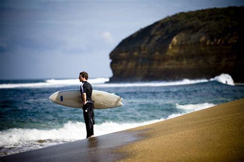 beach bells surf australia surfing southwest spot peaks kilometers cold located water surfertoday