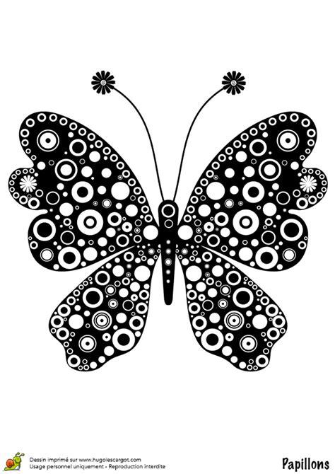 coloriage papillon motif rond sur hugolescargotcom