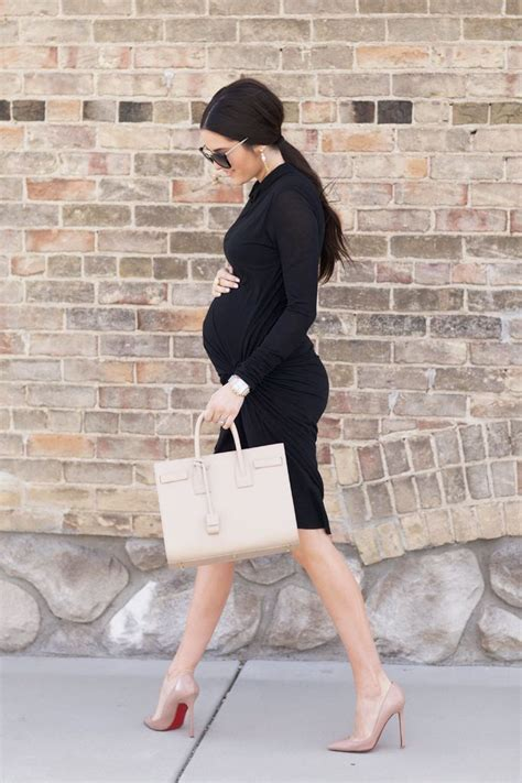 Picture Of Elegant And Comfy Maternity Outfits For Work 1
