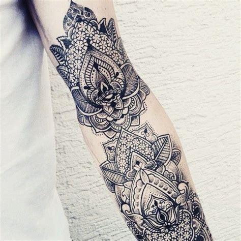 tatuajes de mandalas  mujeres
