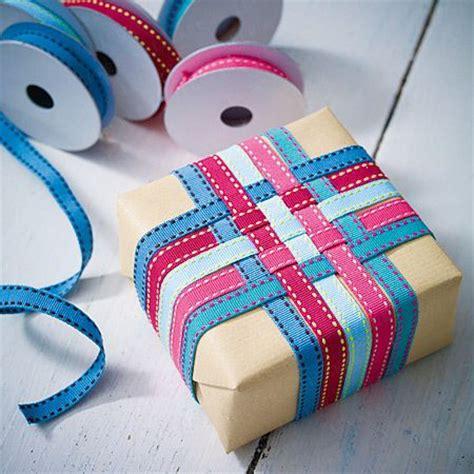 geschenk einpacken anleitung fotoanleitung geschenke originell verpacken nettetipps de
