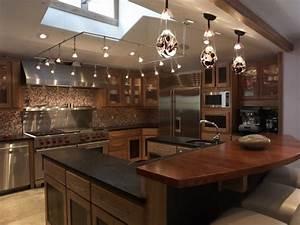 Interior gorgeous black granite counter top also dark for Kitchen decorating ideas for the kitchen island
