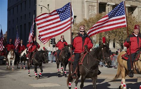 thanksgiving day parade photo gallery christmas  st louis