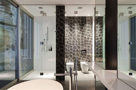 Contemporary Ensuite Bathroom With Cutting-edge Design In