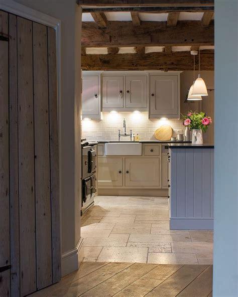 shaker cabinet kitchen best 25 modern country kitchens ideas on 2167