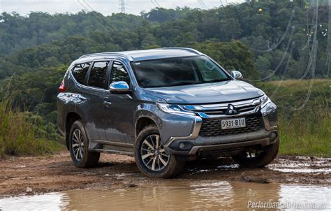 mitsubishi pajero sport 2016 mitsubishi pajero sport review video performancedrive