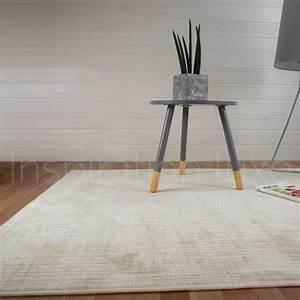 tapis sur mesure en viscose a carreaux beige rectangulaire With tapis de marche avec canapé sur mesure en ligne