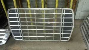 1985 Ford L8000  Stock  Grille 9