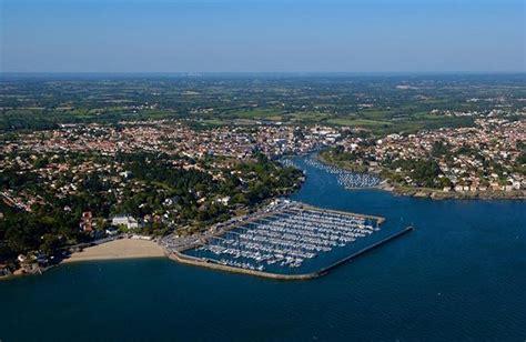 centre de cuisine la mer vue du ciel photos aériennes des côtes françaises