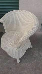 D And A Designs Llc Asymmetrical Wicker Chair Beach Cottage Peacock Rattan