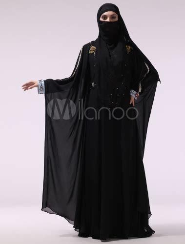 schwarze muslim robe aus chiffon mit stickereien und