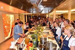 Restaurant Von Tim Mälzer : tim m lzer begeistert g ste von aidaprima presseportal ~ Markanthonyermac.com Haus und Dekorationen