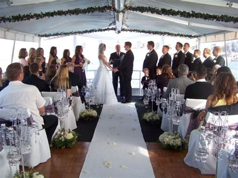 Boat Wedding Prices by 5 Amazing Reasons To Your Wedding Reception On A Yacht