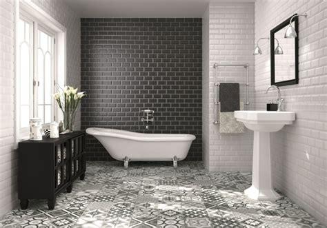 Wandfliesen Bad Machen Es Zu Einem Einladenden Ort