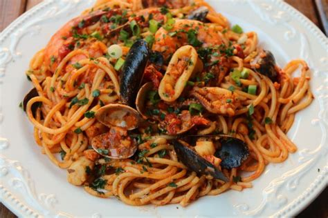 recette de plat principal spaghettis aux fruits de mer de la cuisine tunisienne