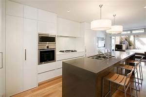 plus belle cuisine cuisine gris bois et blanc belle With plus belle cuisine moderne