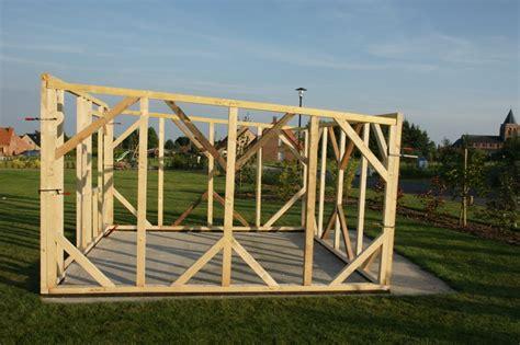 faire un bureau en bois abri de jardin construction plans conseils piège a