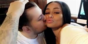 Rob Kardashian Kisses Blac Chyna in New Snapchat Video ...