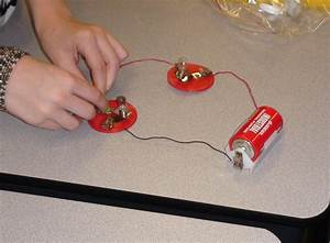 Mrs. Wilson's Class: Series and Parallel Circuits