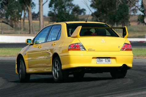Mitsubishi Evo Motor by Mitsubishi Lancer Evo Viii At Performance Car Of The Year