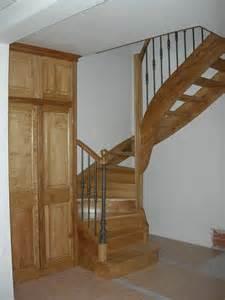 escalier avec re fer et main courante bois aix en