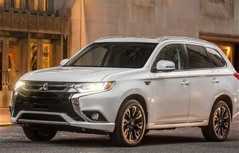 2018 Mitsubishi Outlander Phev Design, Interior, Review