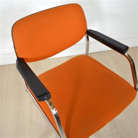 fauteuil de bureau orange fauteuil de bureau ées 60 vintage
