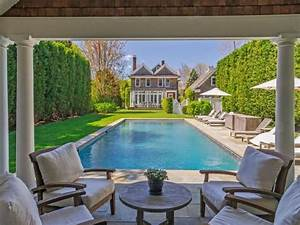 Famous folk at home: Brooke Shields and Chris Henchy's new