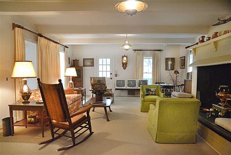 livingroom johnston a visit to president lyndon johnson s home by