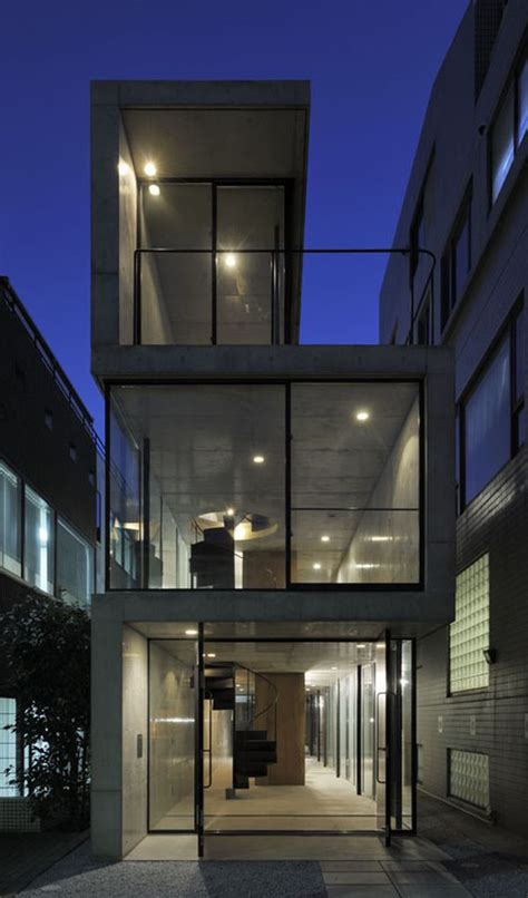 long narrow residence  tokyo