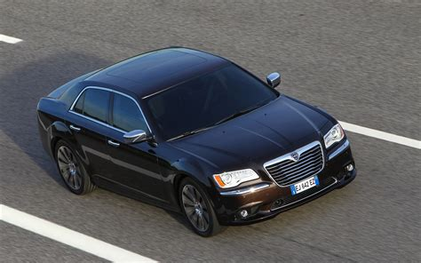 lancia thema  widescreen exotic car pictures