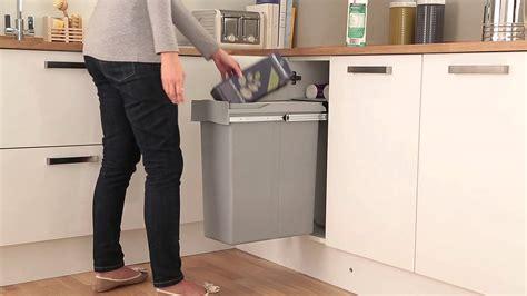 poubelle cuisine coulissante sous evier poubelle galerie et poubelle sous evier ikea images