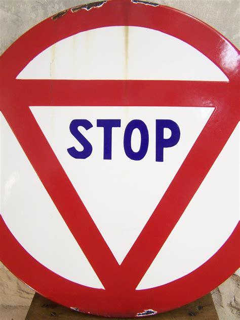 cuisine brocante ancien panneau de signalisation stop panneau routier vintage