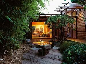 Kleine Gärten Gestalten Bilder : sch ne g rten kleinen garten gestalten mit ausgefallenem gartentisch garten pinterest ~ Whattoseeinmadrid.com Haus und Dekorationen